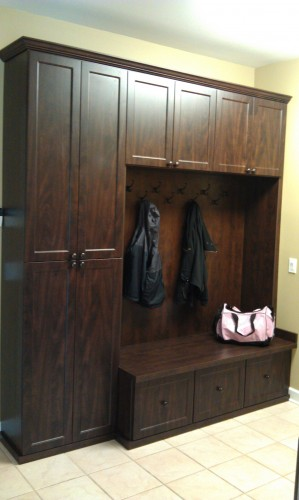 Coat Closets And Mudrooms Everything Closets